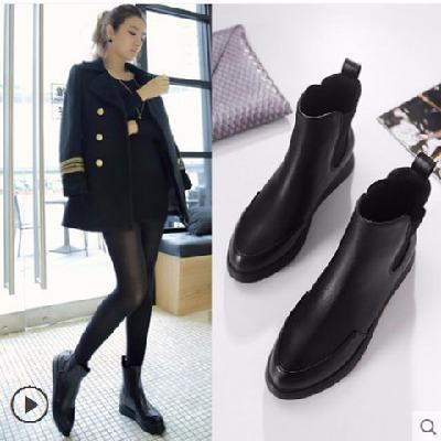 欧美短靴女鞋学生女靴尖头厚底平底马丁靴女英伦风冬季保暖女短靴