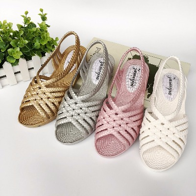 女大童鞋子民族风女鞋夏天凉鞋女高跟细跟尖头衣服女学生韩版夏男
