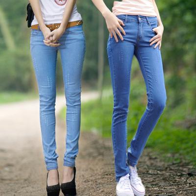 新款牛仔裤女长裤中腰学生浅色铅笔小脚裤破洞裤修身加绒加厚裤子