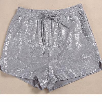 工厂货原价698欢迎一次吃进,簿款雪纺烫银色女款短裤HPPT321J