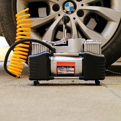 汽车用轮胎打气泵高压便携式电动12V车载充气泵双缸车载充气泵