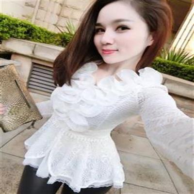 秋装新款立体花朵蕾丝衫短款收腰荷叶边裙摆甜美长袖打底衫上衣女